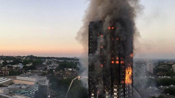 Ghi nhận ở thời điểm hiện tại, vụ cháy đã khiến ít nhất 6 người thiệt mạng ẢNH: AFP
