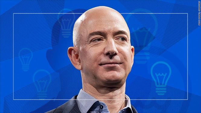 Jeff Bezos, nhà sáng lập kiêm Tổng Giám đốc (CEO) Amazon. Ảnh: CNN