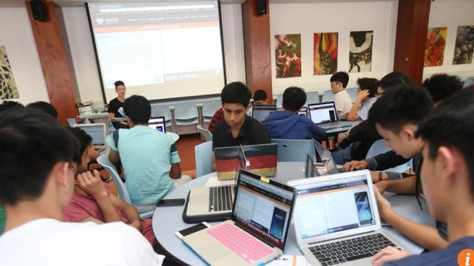 Hồng Kong phải đối mặt với nhu cầu nuôi dưỡng các thế hệ tài năng công nghệ để chuyển đổi thành nền kinh tế số.