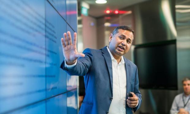 Ông Keshav Dhakad, Giám đốc cao cấp, Trung tâm Phòng chống Tội phạm mạng khu vực của Microsoft Asia.
