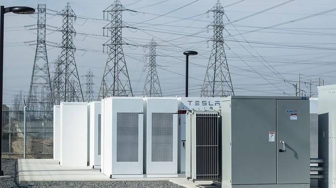 Trạm ắc quy Tesla Powerpack