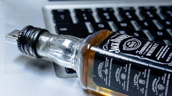 USB hình chai rượu Tennessee whiskey