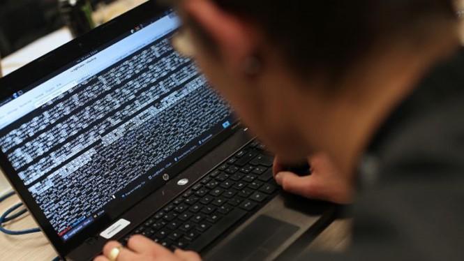 Tội phạm công nghệ cao đang ngày càng phát triển. ẢNH: AFP