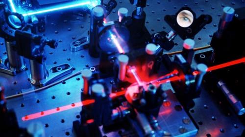 Hệ thống thông tin lượng tử sử dụng ánh sáng để gửi các thông tin quan trọng