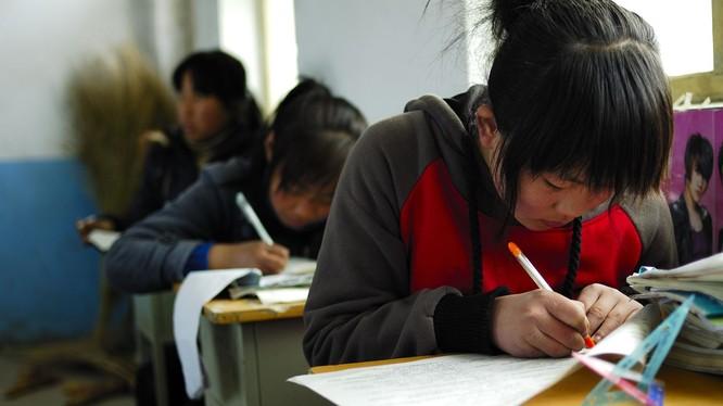 A classroom in Xingtai city, Hebei province, China. Photo credit: dewater / 123RF. Một lớp học ở thành phố Xingtai, tỉnh Hà Bắc. Ảnh dewater/123RF