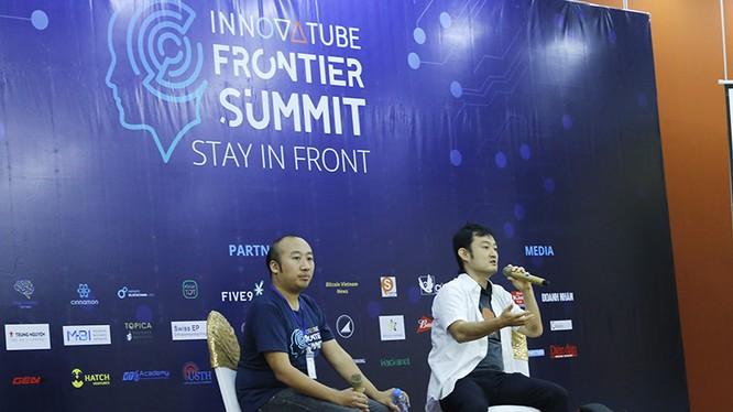 2 diễn giả Hajime Hotta - đồng sáng lập Innovatube và Kazuhiro Obara - nguyên giám đốc điều hành công ty Rakuten, Nhật Bản. Ảnh: Loan Lê