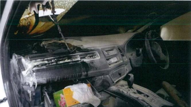 Cảnh tượng đáng sợ bên trong chiếc xe bị cháy của ông Koh.