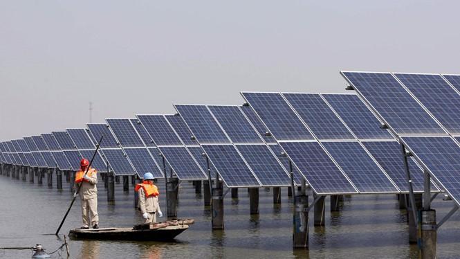 Trang trại năng lượng mặt trời lớn nhất thế giới mới được hoàn thành của Trung Quốc ẢNH: REUTERS