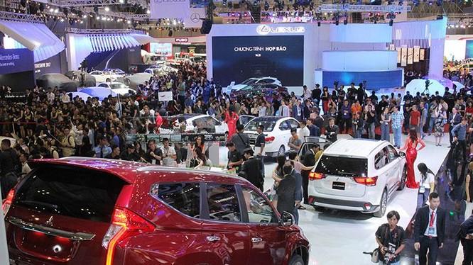 Lượng ô tô nhập khẩu từ khu vực ASEAN đang đổ về Việt Nam