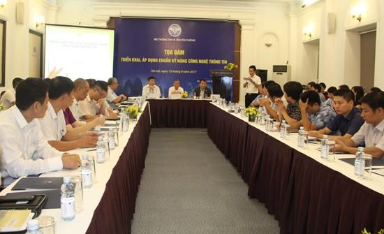 """Thứ trưởng Bộ TT&TT Nguyễn Thành Hưng chủ trì buổi tọa đàm """"Triển khai, áp dụng chuẩn kỹ năng CNTT"""" vừa được tổ chức tại Hà Nội."""