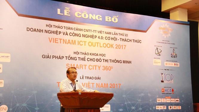 Ông Trần Anh Tuấn - Phó Chủ tịch HCA - giới thiệu nội dung Hội thảo VIO 2017