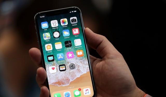 Màn hình 5,8 inch Super Retina là thành phần tốn kém nhất trên chiếc iPhone X