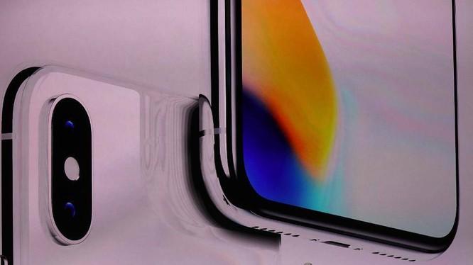 Tim Cook giới thiệu iPhone X tại trụ sở mới của Apple.