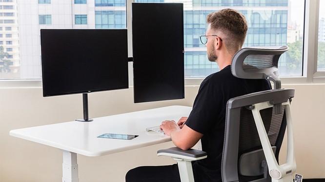 Chiếc bàn của văn phòng thế kỷ 21 SmartDesk 3. Ảnh: PR Newswire