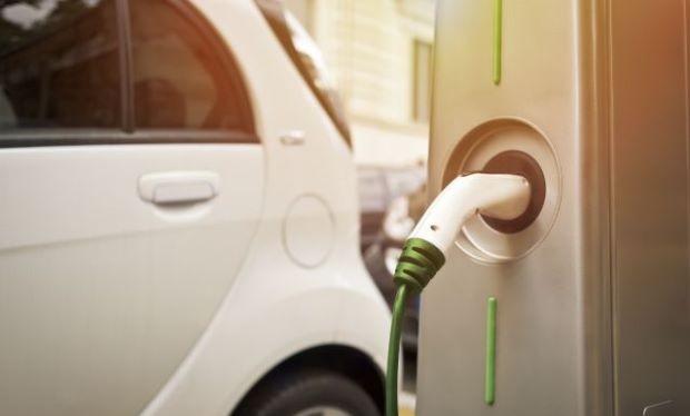 Hiện nay, tại Mỹ chỉ có khoảng 16.000 trạm sạc điện so với 121.000 trạm xăng.