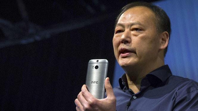 One M8 là smartphone đầu tiên được trang bị camera kép của HTC ẢNH: REUTERS