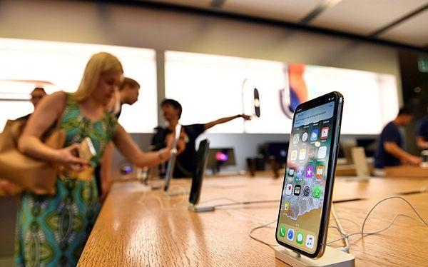 Mẫu điện thoại iPhone X. (Nguồn: AFP)