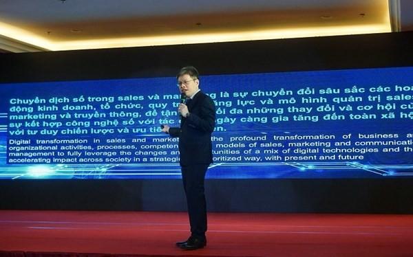 Ông Lê Quốc Minh - Đại diện ban tổ chức chia sẻ về chuyển dịch số trong kỷ nguyên công nghiệp 4.0.
