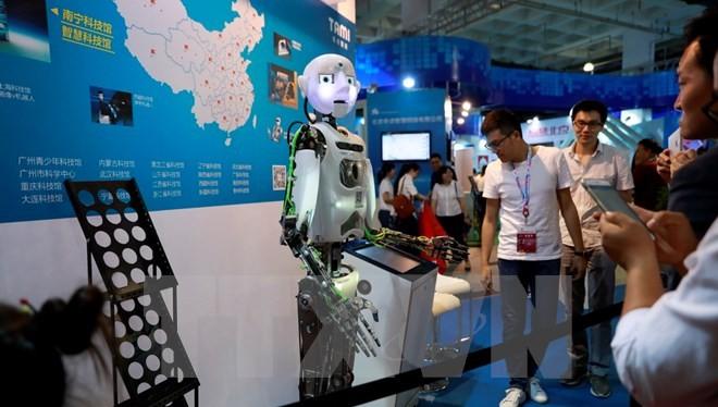 Robot được trưng bày tại Triển lãm Công nghệ cao Quốc tế tại Bắc Kinh ngày 8/6. (Nguồn: EPA/TTXVN)