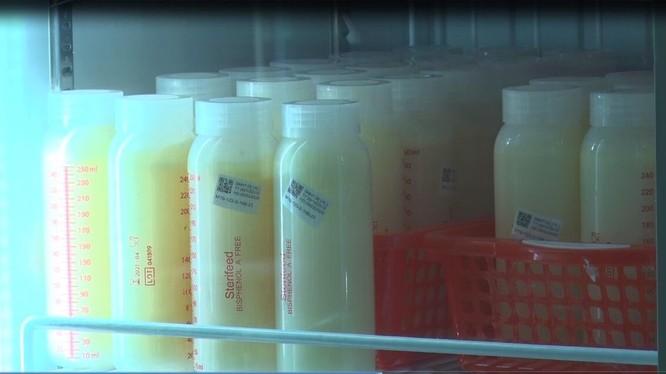 """Sữa mẹ được lưu trữ và bảo quản chặt chẽ tại """"Ngân hàng sữa mẹ"""" của BV Từ Dũ"""