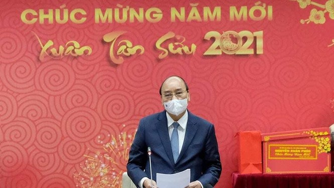 """Thủ tướng Nguyễn Xuân Phúc đánh giá cao sự hy sinh của các """"chiến sĩ áo trắng"""""""