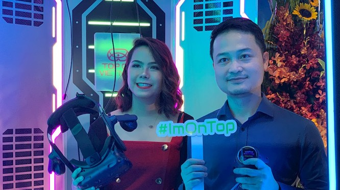 Bà Lê Hoàng Uyên Vy , CEO và ông Đinh Anh Tuấn, CTO của Xtreme Studio tại buổi ra mắt game