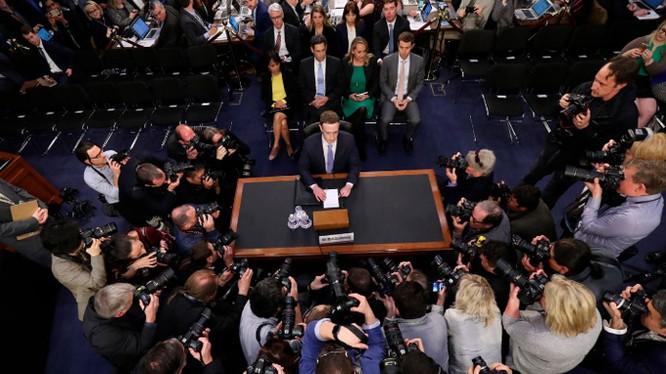 Mark Zuckerberg đang dấn thân vào chính trị