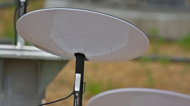 Internet vệ tinh của Musk có giá thuê bao 99 USD mỗi tháng