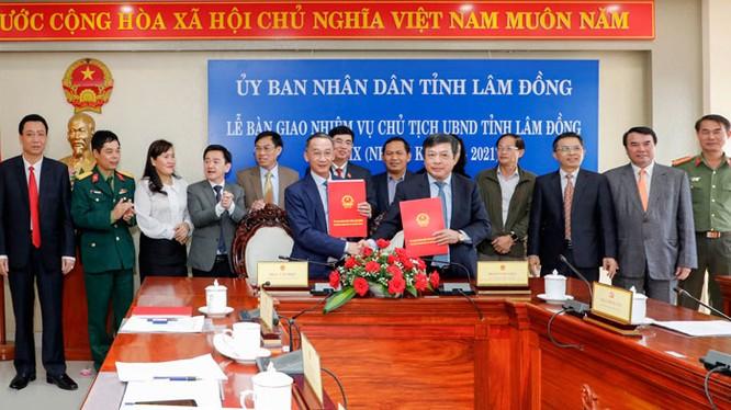 Bàn giao nhiệm vụ Chủ tịch UBND tỉnh Lâm Đồng