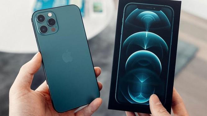 Giá iPhone 12 Pro Max giảm mạnh