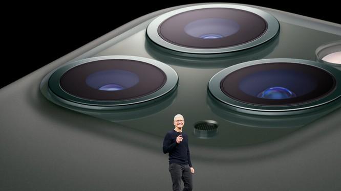 CEO Tim Cook tại sự kiện ra mắt iPhone 11. Ảnh: Phone Arena