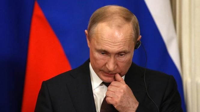 Nhóm tin tặc Cosy Bear của Nga được cho là đã cố gắng đánh cắp nghiên cứu vắc-xin Covid-19. Ảnh: Forbes