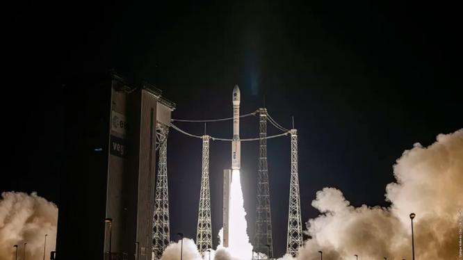 Vega là một tên lửa đẩy cỡ nhỏ. (Ảnh: The Verge)