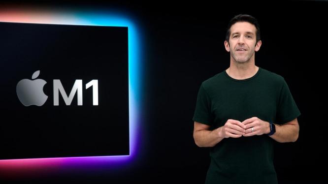 Phó chủ tịch Apple phụ trách kỹ thuật phần cứng John Ternus đã giới thiệu M1 - con chip đầu tiên được thiết kế đặc biệt cho Mac tại một sự kiện được tổ chức tại Apple Park, Cupertino, California, Hoa Kỳ hôm 10/11/2020. (Ảnh: Reuters)