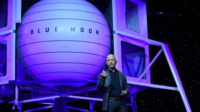 Tỉ phú Jeff Bezos