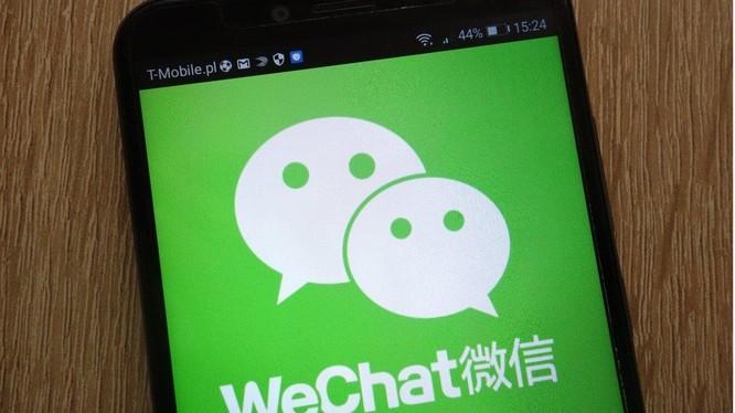 Một nghiên cứu của nhà cung cấp dữ liệu China Internet Watch cho thấy người dùng WeChat dành trung bình 77 phút mỗi ngày trên ứng dụng. Ảnh: SCMP