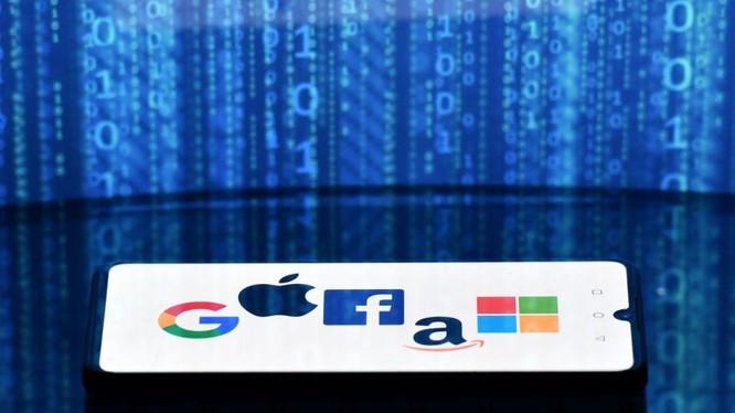 """Các """"gã khổng lồ"""" công nghệ đang phải đối mặt với sự giám sát ngày càng chặt chẽ hơn."""