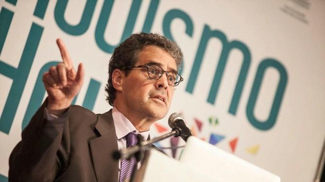 Giáo sư James Breiner là một trong những nhà tư vấn uy tín nhất trong lĩnh vực báo chí và truyền thông số. Ảnh: Miquel Pellicer