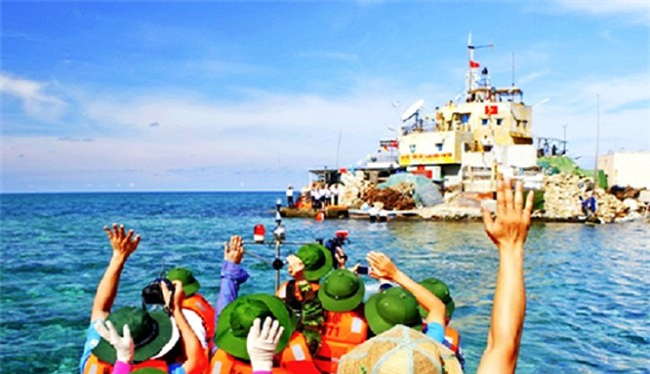 Theo Phó Chủ tịch UB MTTQ Việt Nam, cần thúc đẩy nhanh quá trình dân sự hóa trên biển, nhất là một sống vùng biển đảo