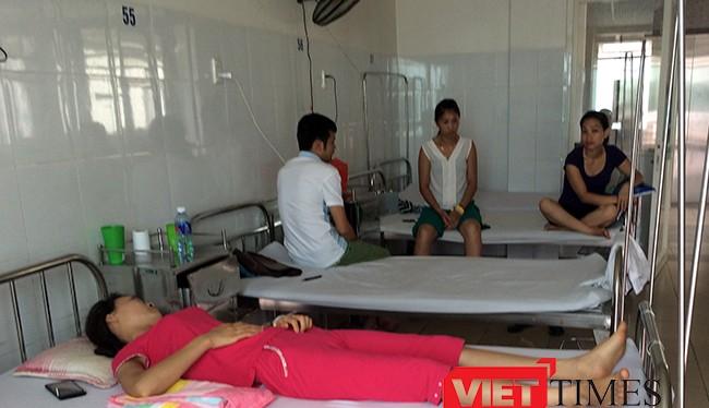 16 du khách Hà Nội bị ngộ độc thực phẩm phải cấp cứu ở Đà Nẵng