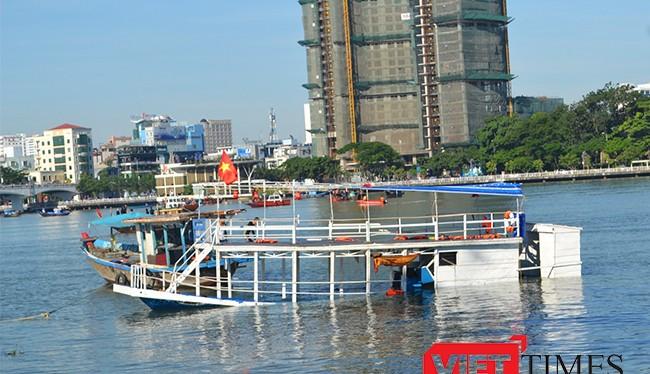 Liên quan đến vụ chìm tàu Thảo Vân 02 trên sông Hàn, Hội đồng kỷ luật của UBND TP Đà Nẵng đã kỷ luật cách chức ông Lê Sáu, Giám đốc Cảng vụ đường thủy nội địa, các cơ quan liên quan khác đang tiếp tục xem xét trách nhiệm.