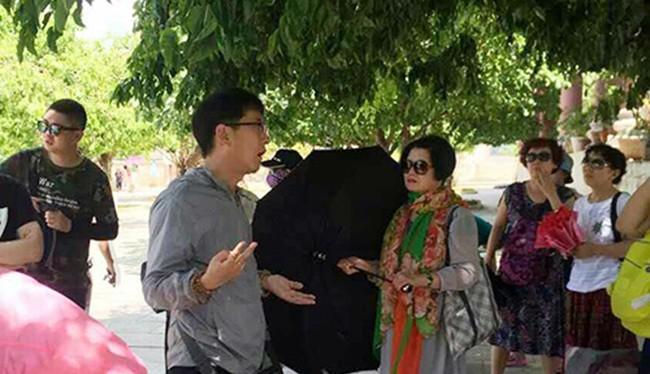 UBND TP Đà Nẵng vừa ra quyết định xử phạt vi phạm hành chính đối với 6 người Trung Quốc hành nghề trái phép ở Việt Nam