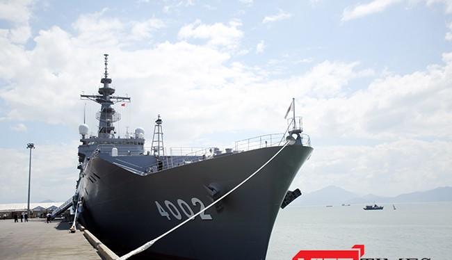 Chiến hạm vận tải và đổ bộ JSDS Shimokita (LST-4002) được xem là hiện đại bậc nhất của Hải quân Nhật Bản