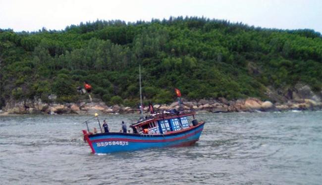 Lực lượng chức năng tiếp tục theo dõi thông tin cứu nạn đối với tàu cá BĐ 97238 TS cùng 14 ngư dân bị mất tích trên biển