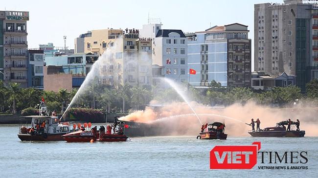 Sáng 26/7, Buổi diễn tập thực binh ứng phó cứu nạn, giảm nhẹ thiên tai trong khuôn chường tringh Đối tác Thái Bình Dương 2016 đã diễn ra tại Cảng Sông Hàn