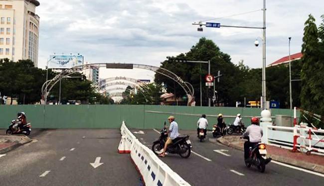 Nút giao giao thông Trần Phú-Lê Duẩn bị chặn mà không báo trước