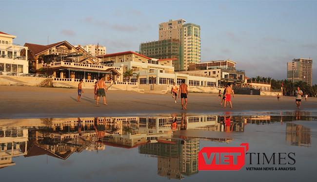 Đà Nẵng sẽ trang trí kè biển bằng tranh gốm nghệ thuật trị giá hơn 11 tỷ đồng