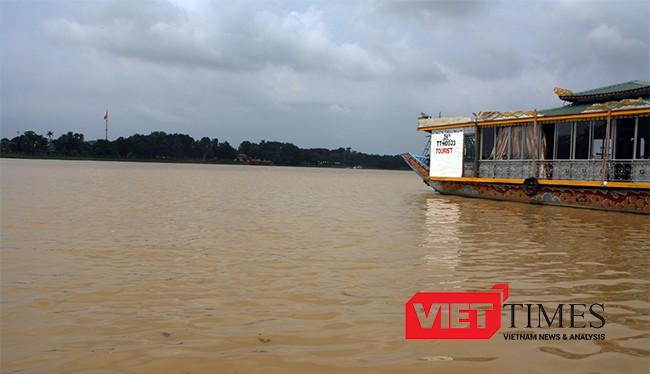 Nước sông Hương đục bất thường là do làm đường phía thượng nguồn
