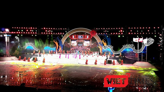 ối 24/9, Đại hội thể thao bãi biển châu Á 2016 đã chính thức khai mạc tại Đà Nẵng, với sự tham gia của hơn 6.500 VĐV, HLV, quan chức đến từ 42 quốc gia, vùng lãnh thổ.