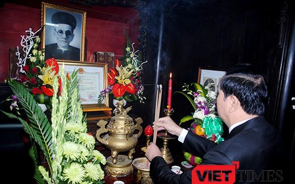Sáng 1/10, tại TP Tam Kỳ (Quảng Nam), Bộ ngành Trung ương và tỉnh Quảng Nam đã tổ chức long trọng Lễ kỷ niệm 140 năm ngày sinh Quyền Chủ tịch nước Huỳnh Thúc Kháng (1/10/1876 - 1/10/2016).